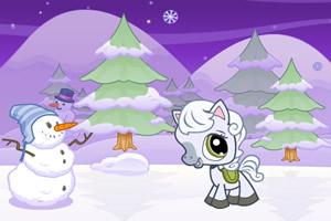 小马驹玩雪花