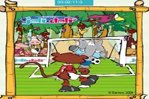 小熊玩足球