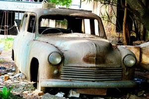 废弃汽车拼图