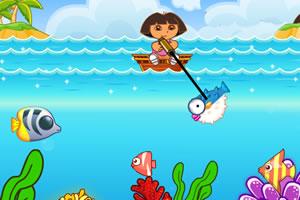 小朵拉钓鱼