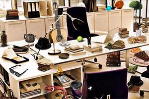 白领办公室找东西