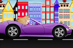 芭比在车上补妆