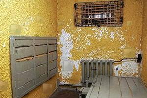 逃离破旧监狱