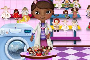 玩具医生洗娃娃