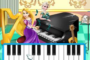 长发公主弹钢琴