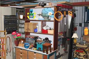 凌乱的物品储藏室