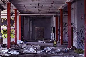 逃离废弃的啤酒厂