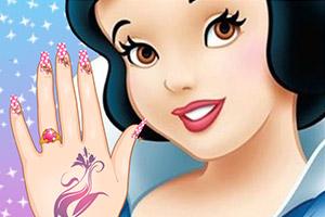 迪士尼公主做美甲