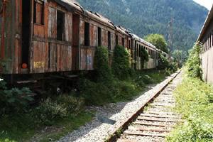 逃出废弃火车站