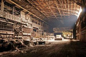 废弃钢铁厂逃脱