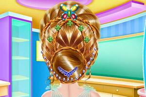 女孩编织发型