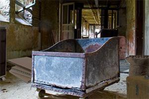 老旧废弃楼房逃脱7
