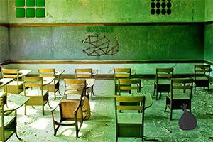 逃离废弃高校