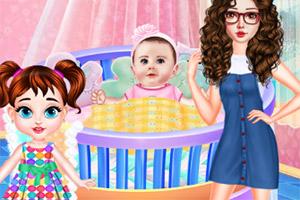 宝贝泰勒照顾宝宝